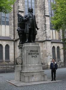 Lipcse Bach szoborral IMG_1111
